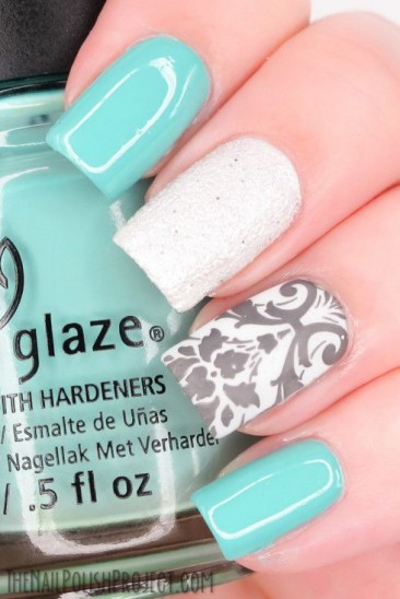 15 Most Glamorous & Popular Nail Art