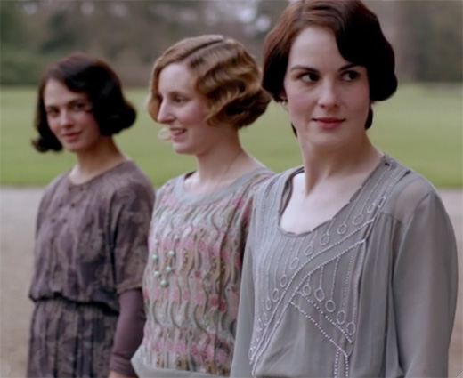 the-crawley-sisters-in-awe