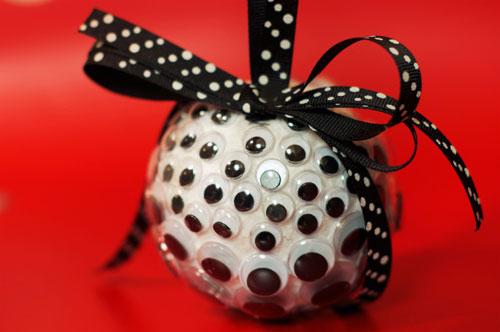 googly-eye-ornament-2