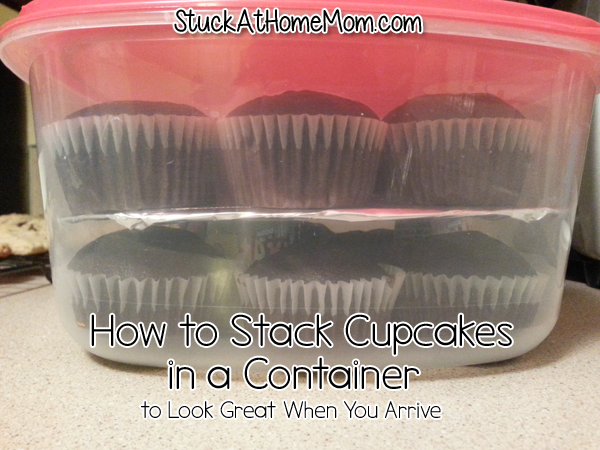 How to Stack Cupcakes in a Container to Look Great When You Arrive